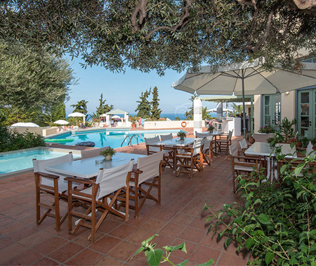 The sensational lunch set up by the pool at Galaxy Villas resort, yours to enjoy by getting one of our Hersonissos holiday deals